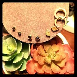 Small stud earring set